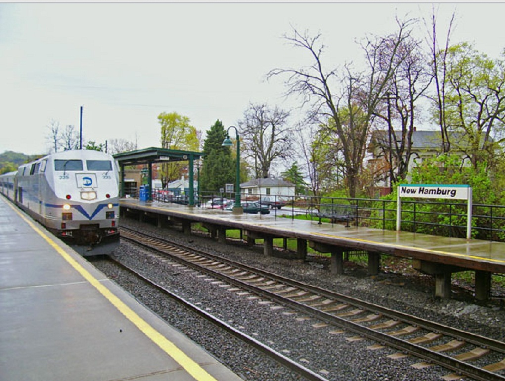 Long_Island_Rail_2/New_Hamburg_1.jpg